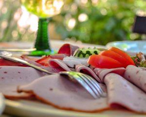 Genießen Sie fränkische Wurstspezialitäten im Restaurant Schranne
