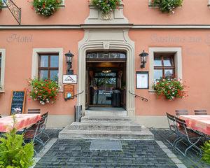 Eingang AKZENT Hotel Schranne
