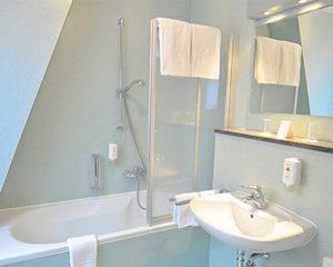 Standard-Badezimmer im AKZENT Hotel Schranne