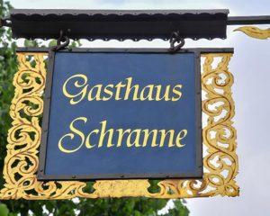 Historisches schmiedeeisernes Schild vom AKZENT Hotel Schranne