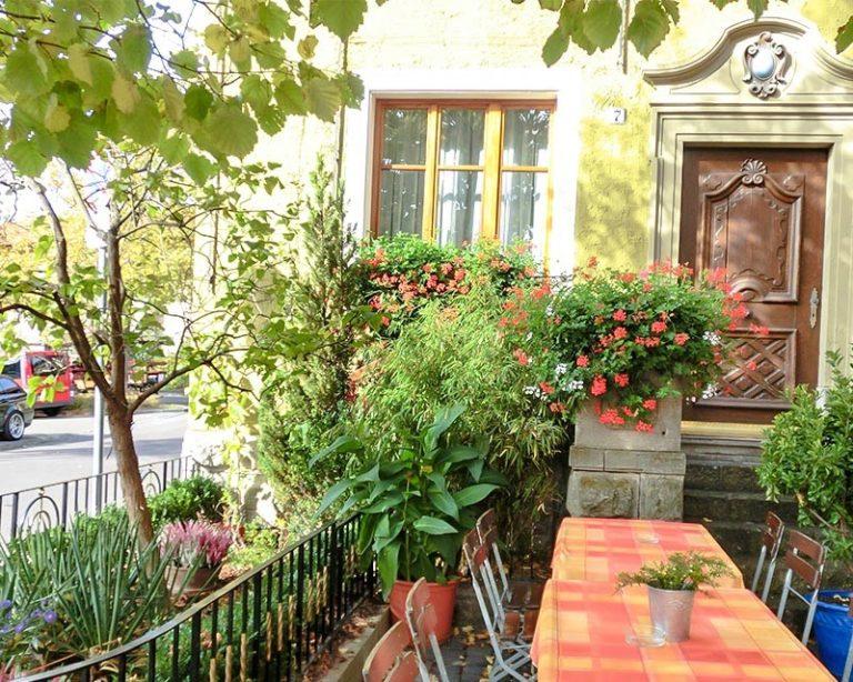 Der gemütliche Schrannengarten im AKZENT Hotel Schranne