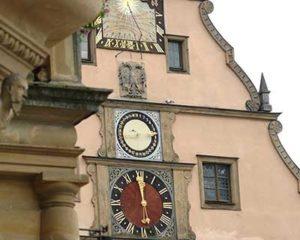 Ratstrinkstube mit historischen Glockenspiel