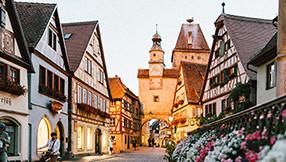 Markusturm und Roederbrunnen in Rothenburg ob der Tauber