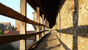 Durchgehend begehbare Stadtmauer rund um Rothenburg