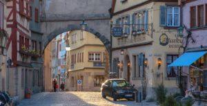 Mittelalterliche idyllische Gassen in Rothenburg ob der Tauber